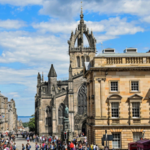 Spend a romantic weekend away in Edinburgh
